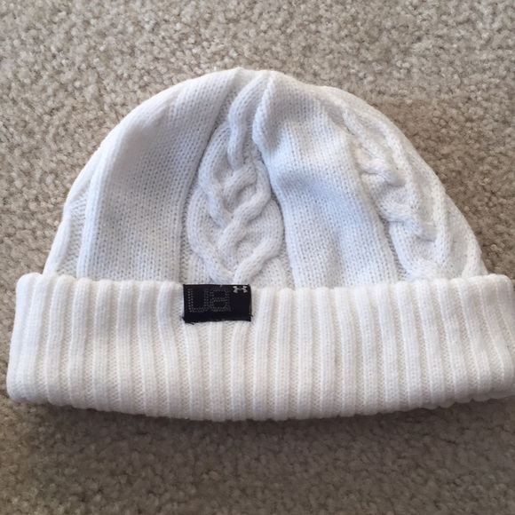 1fb6495a394 Under Armour Women s Winter Hat. M 5a48011e05f430906d16e268